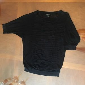 Express short sleeved sweater (Size m)
